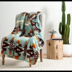 NEW Pendleton Collection Twin Sherpa Blanket